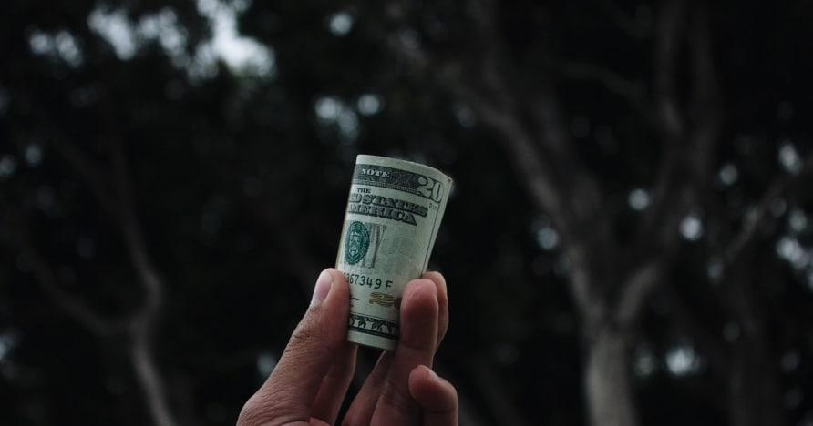 حيل لإدارة تمويل الكازينو الخاص بك على الإنترنت