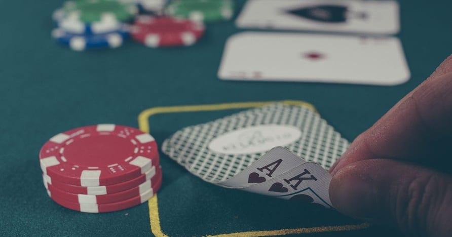 لعبة البوكر عبر الإنترنت- المهارات الأساسية